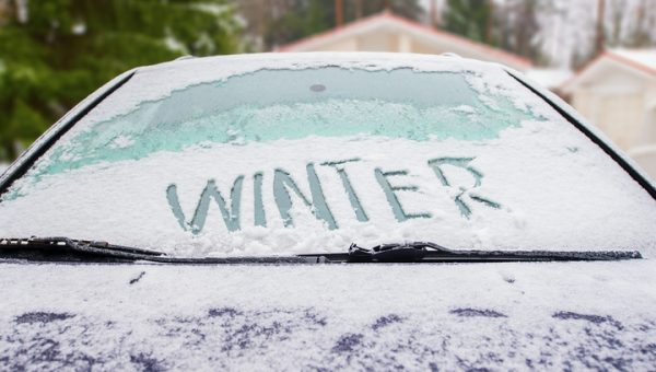 5 Tips to Clean Your Windshield in Winter