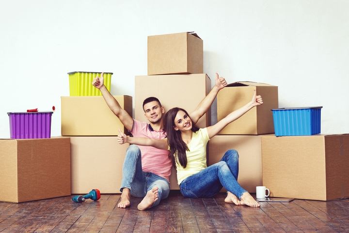 Keep Or Toss: 4 Ways to Decide What to Throw Away Before Moving