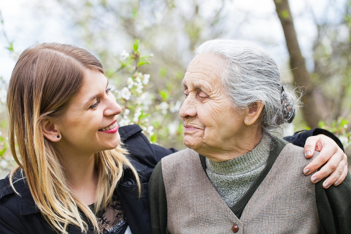 6 Useful Questions To Ask When Comparing Retirement Homes For Your Loved One