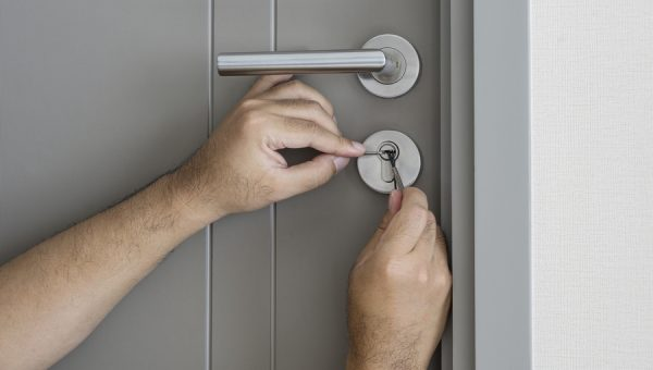Hiring a Locksmith: 4 Best Practices to Get Your Door Unlocked