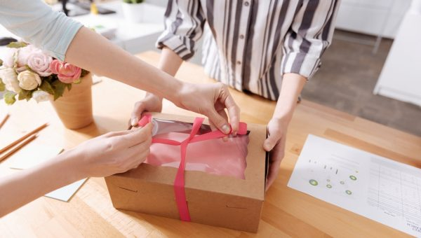 5 Tips to Improve Gift Wrapping Your Packages