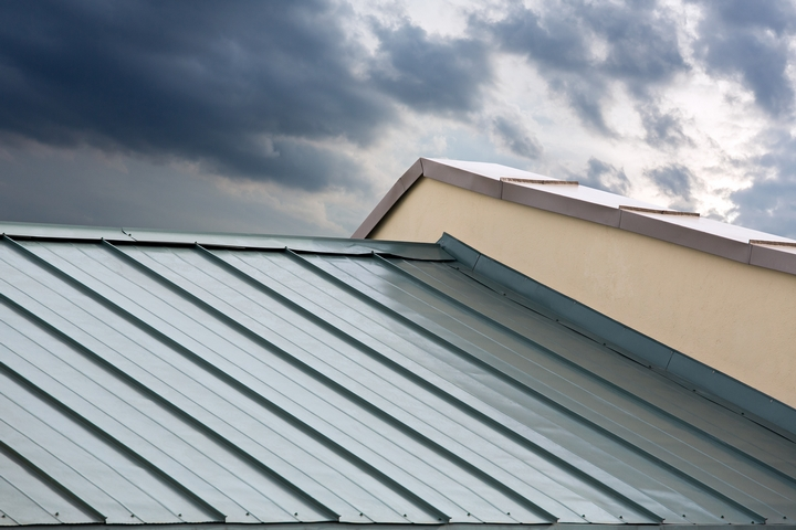 5 Benefits of a Metal Roof in Your Home