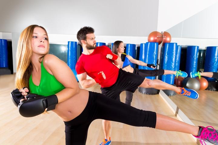 Girl Power: 5 Best Kickboxing Benefits for Women