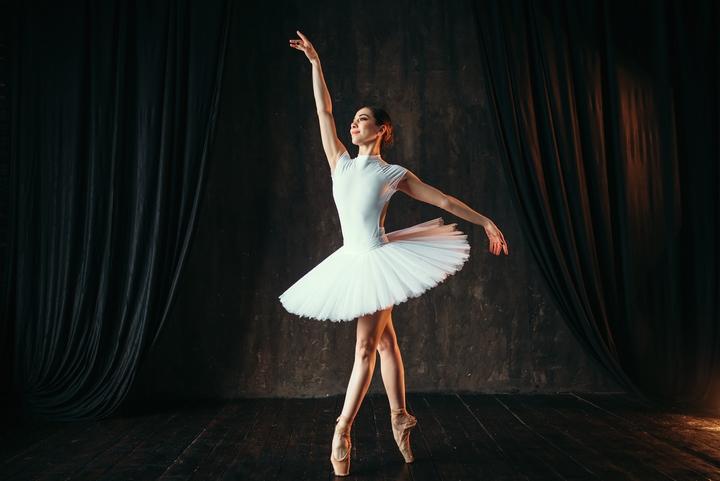 8 Easy Ballet Moves for Beginners